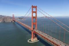 Antenn av Golden gate bridge och Marin Headlands Arkivfoto
