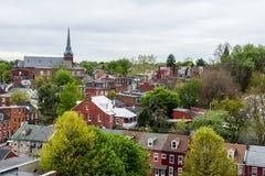 Antenn av historiska i stadens centrum Lancaster, Pennsylvania med bloomin royaltyfria bilder