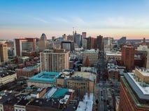 Antenn av i stadens centrum Baltimore, Maryland från monteringen Vernon Pla Arkivbild