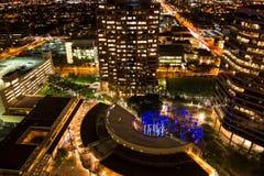 Antenn av i stadens centrum byggnader på natten i Phoenix, AZ Royaltyfri Bild