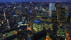 Antenn av i stadens centrum Toronto, Kanada centrum på natten Royaltyfri Fotografi