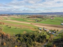 Antenn av jordbruksmark som omger Shippensburg, Pennsylvania under Royaltyfri Foto