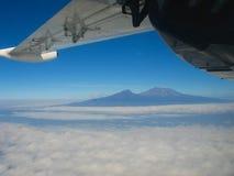 Antenn av Mount Kilimanjaro Arkivbild