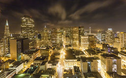 Antenn av San Francisco vid natt Royaltyfri Foto