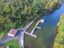 Antenn av sjön Redman i William Kain Park i Jacobus, Pennsylva Arkivfoton