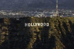 Antenn för Hollywood teckenLos Angeles morgon royaltyfria foton