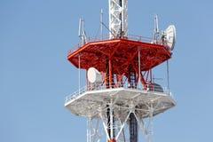 Antenn för kommunikationstorn Royaltyfria Bilder