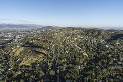 Antenn för Los Angeles studiostad och Hollywood Hills royaltyfri foto