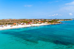 Antenn från Boca Catalina på Aruba ö I Arkivfoton