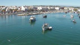 Antenn från hamnen från Lagos Portugal lager videofilmer
