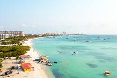 Antenn från Palm Beach på Aruba Royaltyfria Bilder