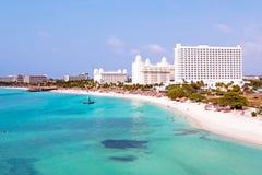 Antenn från Palm Beach på Aruba i det karibiskt Arkivbild
