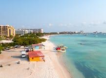 Antenn från Palm Beach på den Aruba ön i det karibiskt Arkivbild