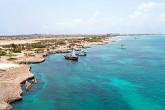 Antenn från västkusten från den Aruba ön Arkivbild