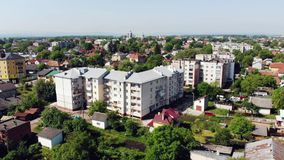 Antenn: Gammal stad Lviv, Ukraina Central del av den gamla staden Europeisk stad Tätt befolkade områden av staden Stadshus lager videofilmer