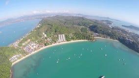 ANTENN: Sikt av havet, Phuket, Thailand stock video