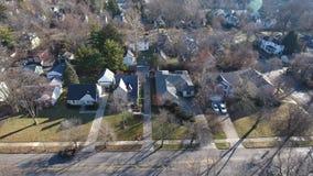 Antenn som upprättar skottet av den typiska Ohio bostads- grannskapen lager videofilmer