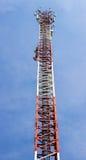Antenna alta della costruzione di comunicazione Fotografia Stock
