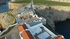 Antenna dal faro Cabo Vicente in Sagres Portogallo stock footage