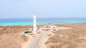 Antenna dal faro di California sull'isola di Aruba video d archivio