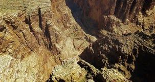 Antenna del canyon del deserto video d archivio