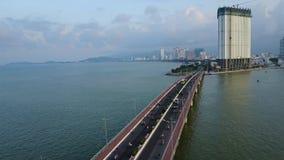 Antenna del mare del crogiolo di ponte della città di Nha Trang archivi video
