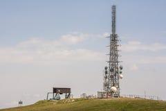 Antenna del ripetitore per i telefoni fotografia stock