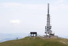 Antenna del ripetitore per i telefoni fotografie stock libere da diritti