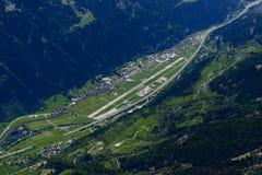 Antenna dell'aerodromo di Ambri, Svizzera Immagine Stock