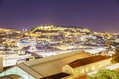 Antenna della città di Lisbona alla notte Fotografie Stock