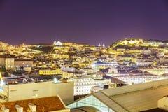 Antenna della città di Lisbona alla notte Fotografia Stock