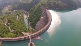 Antenna della diga dell'acqua stock footage