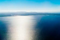 Antenna della linea costiera del Portogallo dall'Oceano Atlantico del nord immagini stock
