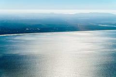 Antenna della linea costiera del Portogallo dall'Oceano Atlantico del nord Immagini Stock Libere da Diritti