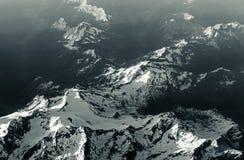 Antenna della montagna dall'aeroplano fotografie stock