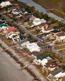 Antenna delle case del oceanfront Immagini Stock Libere da Diritti