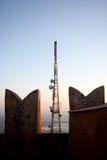 Antenna di comunicazioni sul castello fotografia stock libera da diritti