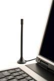 Antenna di DVB-T vicino al computer portatile Fotografia Stock Libera da Diritti