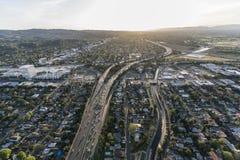 Antenna di pomeriggio dell'autostrada senza pedaggio di Los Angeles Ventura 101 Immagini Stock