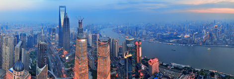Antenna di Shanghai al tramonto immagine stock