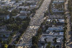 Antenna di traffico dell'autostrada senza pedaggio di Los Angeles Ventura 101 Fotografia Stock