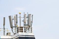 Antenna di trasmettitore del telefono cellulare Fotografie Stock