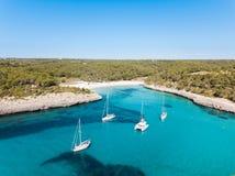 Antenna: La spiaggia di Cala Mondrago in Mallorca, Spagna fotografia stock libera da diritti