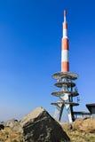 Antenne à la station d'émission images libres de droits