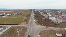 Antenne: Alte Stadt Sambir, Ukraine Brummen Timelaps stock video