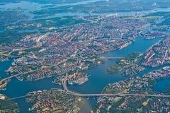 Antenne au-dessus de vieille île Essingeleden Dju de ville de Stockholm Sodermalm photographie stock