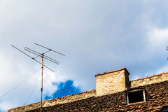 Antenne auf Dach B Stockbilder