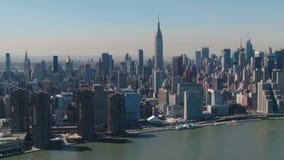 Antenne d'horizon d'Empire State Building et de New York banque de vidéos