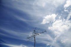 Antenne dans le ciel photos libres de droits