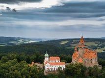 Antenne de château médiéval sur la colline dans la région tchèque de la Moravie photo libre de droits